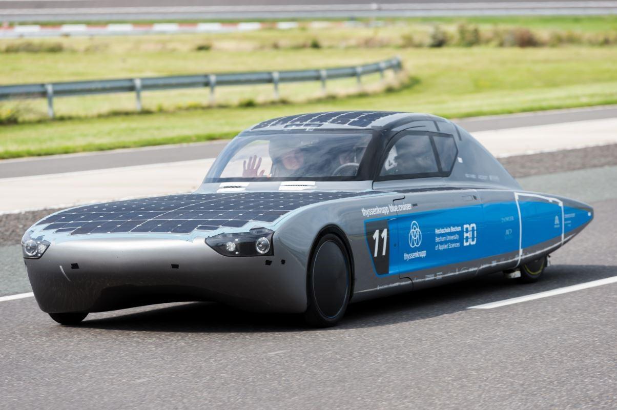 Solarfahrzeug mit HIRSCHMANN Traggelenke
