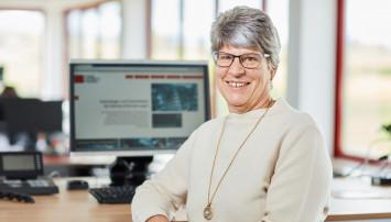 Ansprechpartnerin für die Auftragsabwicklung von Katalogprodukten: Angela Schaffhäuser