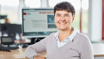 """Ansprechpartnerin für den Bereich """"Auftragsmanagement"""": Beate Hermann"""